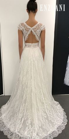 It& so easy to get carried away by Enzoani! Styles that are total standouts! bridalgown weddingdress bride weddingstyle bridal is part of Wedding dresses - Dream Wedding Dresses, Bridal Dresses, Wedding Gowns, Prom Gowns, Lace Wedding, Reception Dresses, Crochet Wedding, Star Wedding, Modest Wedding