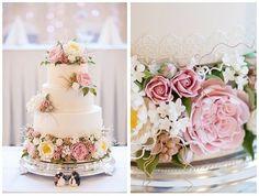 Um toque com flores podem ser o que faltava para deixar seu bolo de casamento incrível!