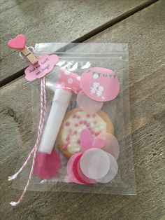 Traktatie geboorte zusje School Birthday Treats, Baby Shower Snacks, Candy Bouquet, Baby Sister, Fun Crafts For Kids, Having A Baby, Baby Love, Party Favors, Baby Kids