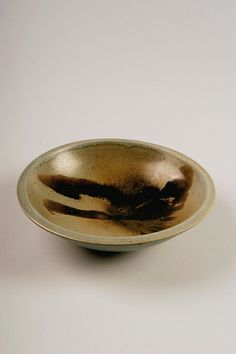 Edward Cromey | Untitled bowl, 1950-80; purchased in California; stoneware; Gift of American Ceramic Society Collection