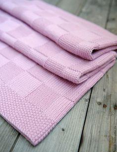 Плед детский вязаный Chess (pink) – купить или заказать в интернет-магазине на Ярмарке Мастеров   Плед детский вязаный Chess. Толстый и очень…