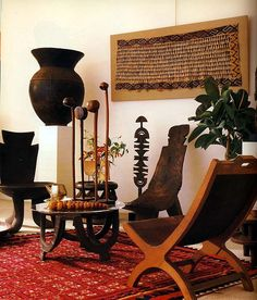 Using Art and Crafts in African Decor African Living Rooms, African Room, African Art, Deco Ethnic Chic, Ethnic Decor, Rugs In Living Room, Living Room Decor, Ethnic Living Room, African Interior Design