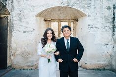 Minutes before the aisle walk!  #weddingphotographerguatemala #weddingphotographyguatemala #wedinguatemala #weddingguatemala #guatemala #wedding #lovetravels #destinationweddingguatemala
