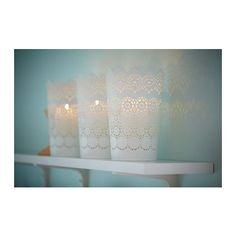 SKURAR Farolillo para vela grande IKEA Gracias al motivo del farol que recuerda al encaje, la luz de la vela crea un efecto decorativo.