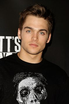 Dylan Muse Sprayberry is an American actor known for portraying the young Clark Kent in the 2013 film Man of Steel and Liam Dunbar on the MTV series Teen Wolf from 2014 to Teen Wolf Mtv, Teen Wolf Boys, Teen Wolf Cast, Dylan Sprayberry, Film Man, Beautiful Men Faces, Gorgeous Men, Beautiful People, Cody Christian