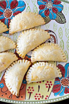 Ham and Cheese Hand Pies.my kids would love these and I bet they'd freeze well. Quick lunch/dinner option to keep on hand. Hand Pies, Pie Recipes, Cooking Recipes, Amish Recipes, Dutch Recipes, Sandwich Recipes, Homemade Hot Pockets, Tapas, Fried Pies