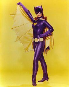 Batgirl   PSA Sunday: Batgirl (Yvonne Craig) Addresses the Federal Equal Pay Law