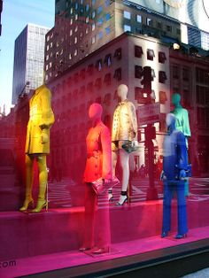 Beautiful Window Displays!: gucci