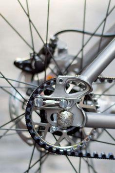 Jeronimo-Cycles_Ti-MTB-Pinion_275titanium-off-road-adventure-hardtail-mountain-bike_dropout.jpg (600×900)