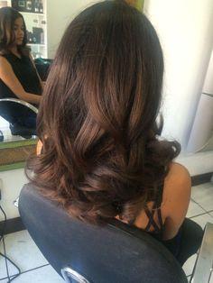 Chocolate Brown Hair Color, Blowout Hair, Hair Inspiration, Hair Inspo, Corte Y Color, Brown Hair With Highlights, Hair Game, Light Brown Hair, Brunette Hair