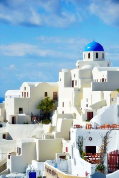 feel relaxing already just by looking at the pic, santorini, greece  someone pls take me :)