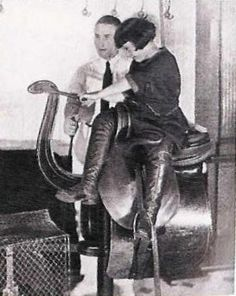 The Titanic also had a better version of the mechanical horse on board, complete with a real side saddle! Rms Titanic, Titanic Photos, Titanic History, Belfast, Mechanical Horse, Liverpool, Side Saddle, Modern History, Vintage Photographs