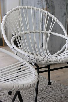 white-rotan-chairs.jpg | Flickr - Photo Sharing!