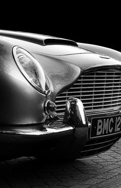 The Aston Martin is one of the most elegant grand tourer supercars available. Available in a couple or convertible The Aston Martin has it all. Luxury Sports Cars, Sport Cars, Sport Sport, Aston Martin Db5, Martin Car, Automobile, Bond Cars, Auto Retro, Cars Motorcycles