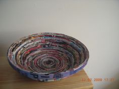 Magazine Bowls • Free tutorial with pictures on how to make a magazine bowl in under 150 minutes