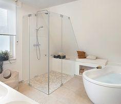 Glazen douchecabine op maat | badkamer inspiratie | vidre glastoepassingen