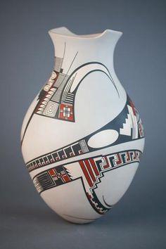 Lydia Quezada: Large White Pot