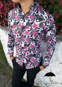 Camisa Slim Fit Blanca de Flores Rosa en para hombre | Moon & Rain - Tiendas Platino Camisa Floral, Wing Collar, Ankara Styles, Personal Stylist, Formal, Girl Pictures, Menswear, Stylists, Shirt Dress