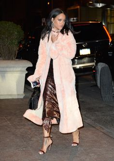 #StreetStyle #Rihanna #Beauty Vogue   5 Daring Street Style Trends Started by Rihanna