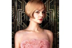 The Great Gatsby Poster with Carey Mulligan as Daisy Buchanan - This cousin of Nick Carraway finds herself in a love triangle with Jay Gatsby and her husband Tom in director Baz Luhrmann's adaptation. Great Gatsby Hairstyles, Vintage Hairstyles, Bob Hairstyles, Wedding Hairstyles, The Great Gatsby Movie, Great Gatsby Fashion, Great Gatsby Quotes, Look Gatsby, Gatsby Style