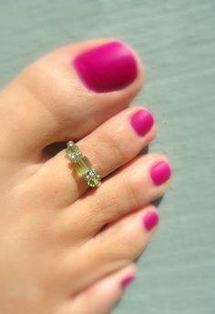 Toe Ring, Swarovksi Crystal, Peridot, Glass, Silver Bead Toe Ring. $3.25, via Etsy.