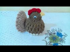 Pollito a crochet para adornar tu cocina - YouTube Easter Gift, Easter Bunny, Easter Crochet Patterns, Crafts For Teens To Make, Crochet Videos, Crochet Gifts, Emoticon, Crochet Stitches, Holiday Crafts