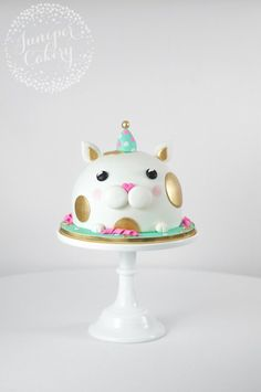 Cat in a party hat birthday cake by Juniper Cakery #CatParty