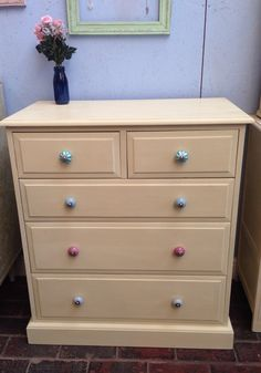 I've painted this Chest of Drawers in Cream a Chalk Paint by Annie Sloan. I have also added some pretty handle flower handles.