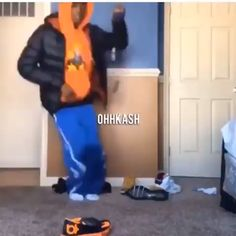 Dance Choreography Videos, Dance Music Videos, Music Mood, Mood Songs, Funny Video Memes, Funny Relatable Memes, Funny Dancing Gif, Freaky Relationship Goals Videos, Funny Black Memes