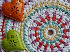 Colorful crochet rug; no pattern, possibly figure out from photo
