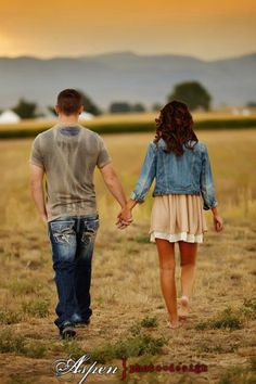 Pictures of country couples photo ideas - Country Couple Pictures, Couple Senior Pictures, Country Couples, Couple Picture Poses, Engagement Pictures, Couple Photos, Senior Pics, Young Couple Pictures, Picture Ideas