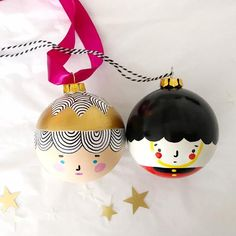 Guardsman and Queen/Pair of Baubles/Queen bauble – Shelf Ideas Merry Christmas, Christmas Baubles, Simple Christmas, Handmade Christmas, Christmas Time, Vintage Christmas, Blue Christmas, Christmas Projects, Holiday Crafts