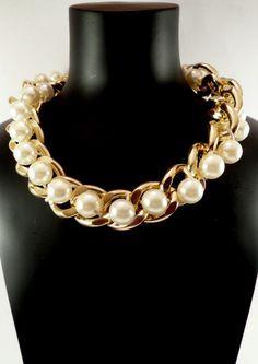 Collar Cadena dorada Perlas Grandes. 4,45€ Bead Jewellery, Pearl Jewelry, Gemstone Jewelry, Wedding Jewelry, Beaded Jewelry, Jewelry Necklaces, Handmade Jewelry, Short Necklace, Diy Necklace