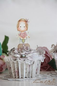 The cutest paper cupcake ever..! <3 Created by Camilla S Bakke.  #papercupcake #papercraft #papercrafting #papercrafts #scrapbooking #scrapbook #scrapping #scrap #majadesign #majadesignpaper #majapapers #inspiration #vintage