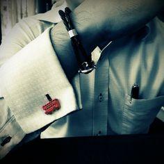 Loving life! #splicecufflinks #cufflink #cufflinks #mensfashion #men #mensaccessories #menstyle #style #singapore #england #fashion #fleamarket #unique #standout #groomsmencuffs #groomsmencufflinks http://www.splicecufflinks.com