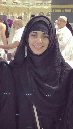 Pakistani Girl, Pakistani Wedding Dresses, Pakistani Actress, Muslim Girls, Muslim Women, Muslim Fashion, Hijab Fashion, Bollywood Makeup, Hijabi Girl