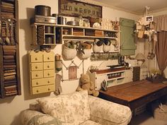 This is one of the most beautiful studio/craft rooms that I have seen <3<3<3