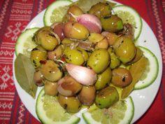 Pesto Dip, Sicilian Recipes, Italian Dishes, Preserving Food, Antipasto, Sicily, Finger Foods, Pickles, Olive Oil