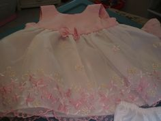 BEAUTIFUL infant Easter dress size 6-9 months