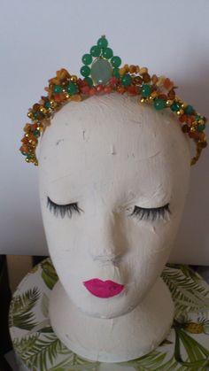 Tiara hecha a mano con piedras nauralesuna joya por MACALAR en Etsy #corona #handmade #boda #fiesta #fancy #elegante #chic #joyas #joyitas