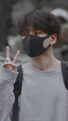 the day when ARMYs are blessed with jungkook's irresistible fluffy hair! Bts Kookie, Foto Jungkook, Jungkook Cute, Bts Bangtan Boy, Foto Bts, Bts Photo, Jung Kook, Jikook, Busan