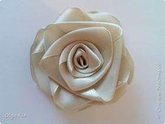 Paso a paso para hacer flores con listones01