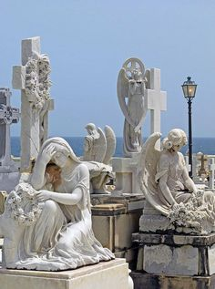 I have been to this cemetery 4 or 5 times and always go back for the quality of the sculptures here. Cemetery Monuments, Cemetery Statues, Cemetery Art, Funeral, Père Lachaise Cemetery, Puerto Rico, Old Cemeteries, Graveyards, Cemetery Angels