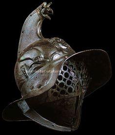 Bronze Roman gladiator helmet.Известны бои, в которые участвовали 300 пар бойцов, Колизей мог вместить 200 000 человек, В чем привлекательность подобного зрелища, разговор отдельный.  А вот откуда взялась сама идея и что она означала, вполне под силу разобрать на основе богатого исторического и этнографического материала, накопленного современной наукой.
