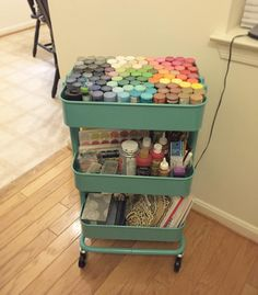 45 Creative Ways to Use a RÅSKOG Ikea Cart. Get organized this year with the versatile, RÅSKOG Ikea Cart. It can be used anywhere in your house. Acrylic Paint Storage, Craft Paint Storage, Office Supply Organization, Organization Hacks, Organizing, Ikea Cart, Ikea Raskog, Cubicle Makeover, Cute Bedroom Decor