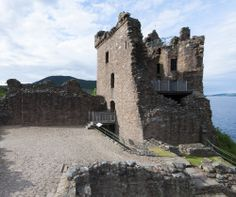 Planning a wedding in the highlands? Think about holding it at Urquhart Castle, a beautiful ruin on the banks of Loch Ness! #weddings #history #Scotland