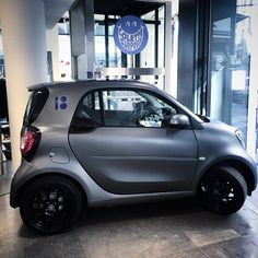 Mix and match your smart body panels and tridion safety cell — or don't. Our all-new fortwo is all about choice.   Regram @comosmart on Instagram.