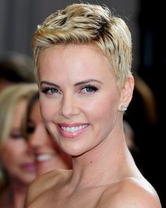 Charlize Theron short hairstyle / extra short w/ ombre