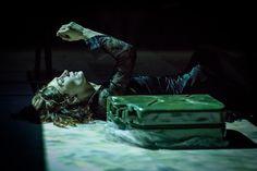 """Medeas on getting across"".  Teatr Zar, Ινστιτούτο Γκροτόφσκι. Σκηνοθεσία Jarosław Fret.  Εταιρεία Μακεδονικών Σπουδών"