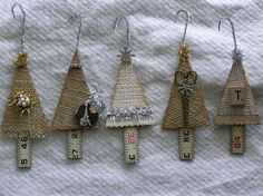 DIY:  Burlap Christmas Tree Tutorial - easy DIY. (these would be a nice small gift and card in one)